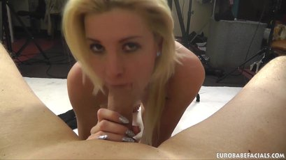 Sexy Babe Gabrielle Hell gets some Cum on her Face