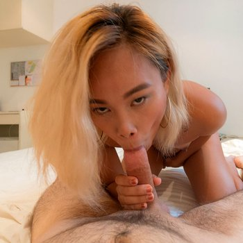 Sexy Asian chick sucking a dick in POV