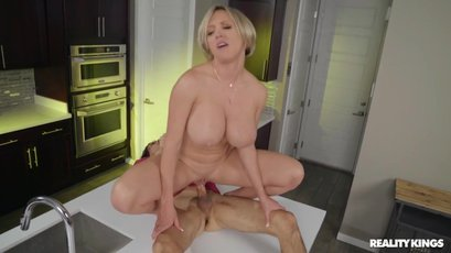 Busty milf Dee Williams gets wild and dirty