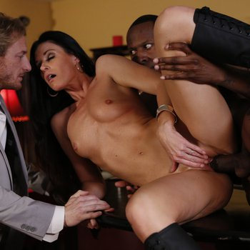 Wild housewife India Summer fucks a muscled black dude in front of hubby