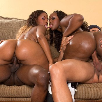 Curvy black bitches Ms Juicy and Skyy Black in a wild 4some orgy