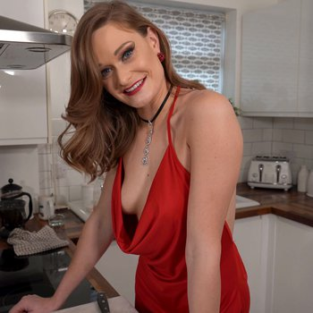 Amazing Honour May teasing in the kitchen