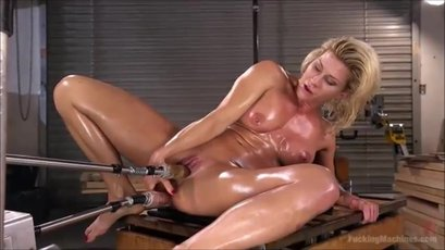 Ariel Carmine gets double penetrated by big toys