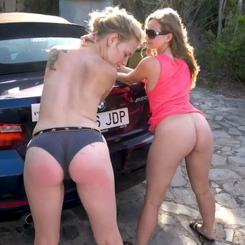 Sexy naked ladies showing their ass outdoor