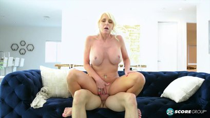 Incredible MILF Cammille Austin loves only anal