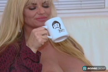 Horny Lisa Lipps has lesbian action with MILF