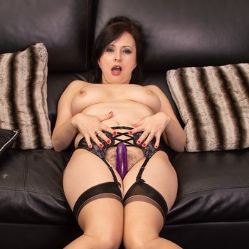 Busty Wanilianna loves playing with a new toy