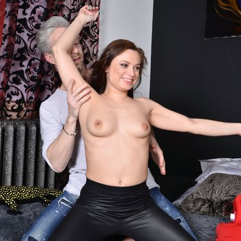 Adorable babe Azoe gets her pussy eaten and penetrated
