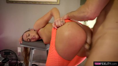 Nasty Ashley Red gets exposed by Ryan Madison