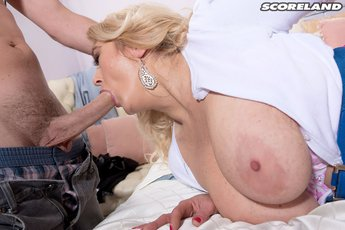 Tahnee-Taylor-a-mature-bra-buster-for-all-men%20(5)