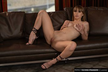 Angel-Youngs-gets-fucked-by-hotel-staff%20(6)
