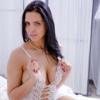 Hot Savannah toys cockready twat in lonely bedroom