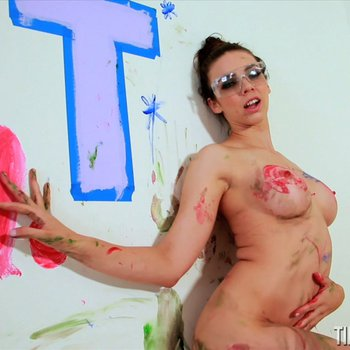 Naked Tiffany Tyler gets messy painting her Room