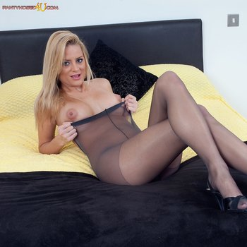 Chloe Conrad seductively strips and tickles snatch