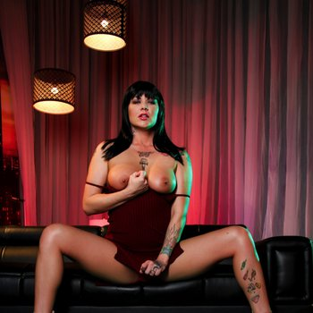 Jezebelle Bond removes panties down and tease