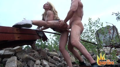 Tattoed woman fucked in the rooftop
