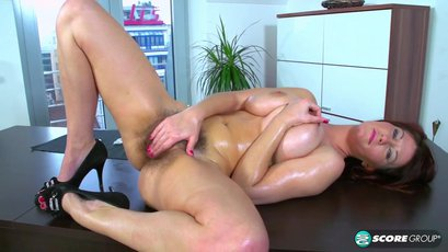 Vanessa oiled up big tits and fingers hairy pussy