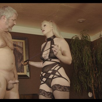Domina Kay Carter uses submissive to reach orgasm