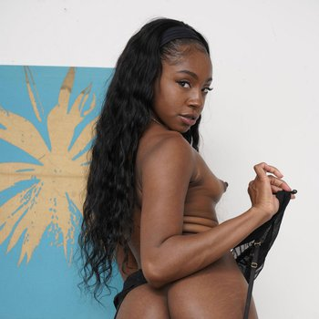 Horny young hottie Amari Anne strips sexy black lingerie for you