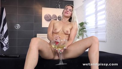 Nasty bitch Bianca Ferrero toys herself on a table
