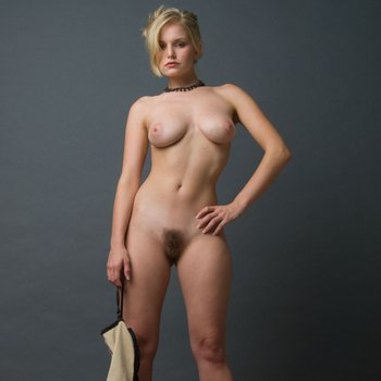 Hot Liz Ashley teases with her gorgeous body