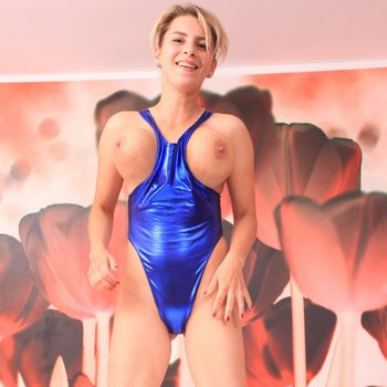 Katerina Hartlova dancing and bouncing on the bed