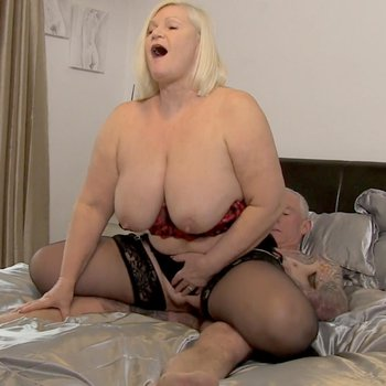 Lacey Starr wants to suck and ride his dick