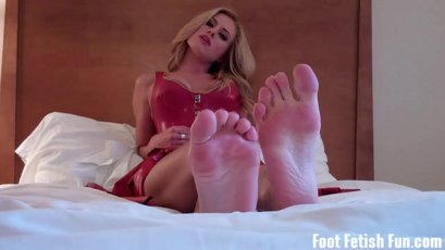 Blonde babe wants you to suck and worship her feet