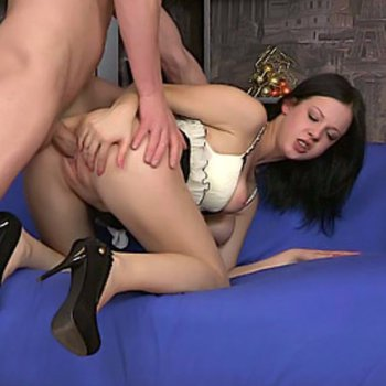 Kinky babe in heels getting her ass fucked