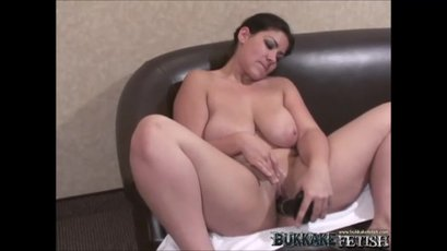 Delicia masturbate her pussy and received facial