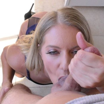 Candice Dare swallows meat pole and takes it deep