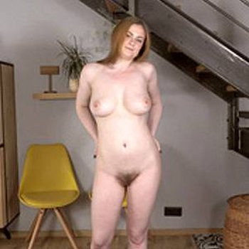Haity babe Petra Pitt will make you beg to see more of her sexy body