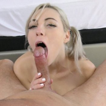 Jamie Jett gets her hands on a delicious cock