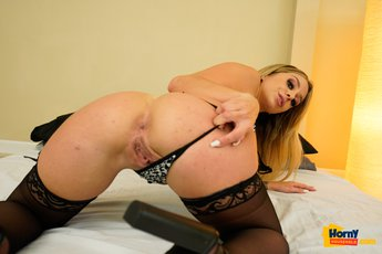 Madelyn-Monroe-Sex-Toy%20(6)