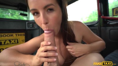 Curvy Lenna Ross begs her taxi driver to fuck her