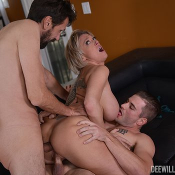 Dee Williams and her man invite a friend for MMF