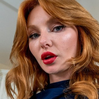 Lacy Lennon prefers sex over cooking in kitchen