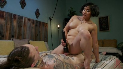 Sexy Mia Little uses her male slave for her pleasure