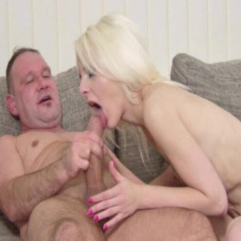 Hot blonde suckign a massive cock and takes it in her twat