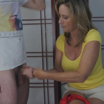 Sexy Jodi West gets her hands on a stiff cock