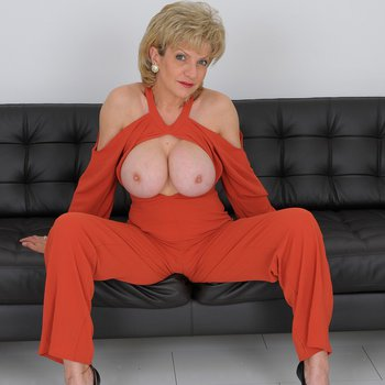 Naughty MILF Lady Sonia is ready for a party night