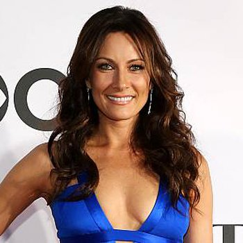 The official website of Laura Benanti